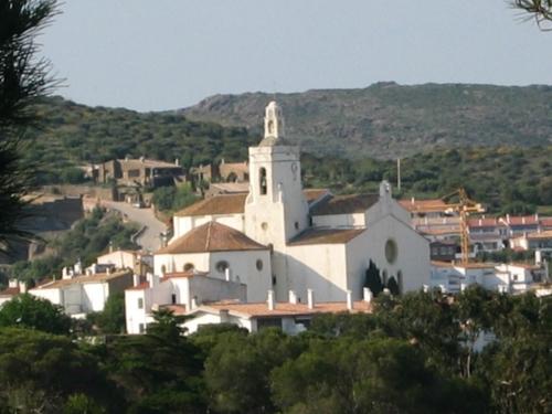 Eglise Cada mai 2007.jpg